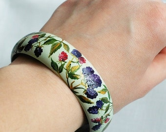 Hand-painted wooden bracelet with blackberries - not decoupaged