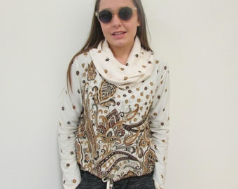 1970's cream  vintage top, awesomely old. A  New Zealand size 10.