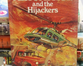 Classic  Vintage Children's Book - Air Patrol and the Hijackers  By Paul Buddee