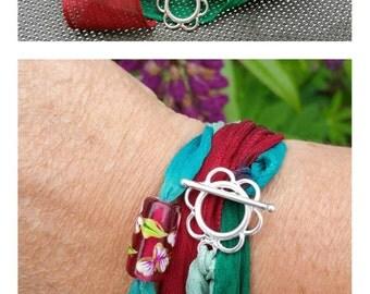 "Bracelet Collection ""Silk"". Flower"