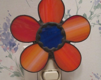 Daisy Night Light in Stained Glass - Flower Night Light - Red