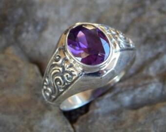 Silver ring patra motif with amethys stone