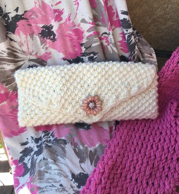 Textured Clutch - a loom knit pattern