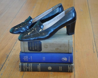 Vintage 1970's Salvatore Ferragamo Black Patent Leather Pumps, Size 8AA