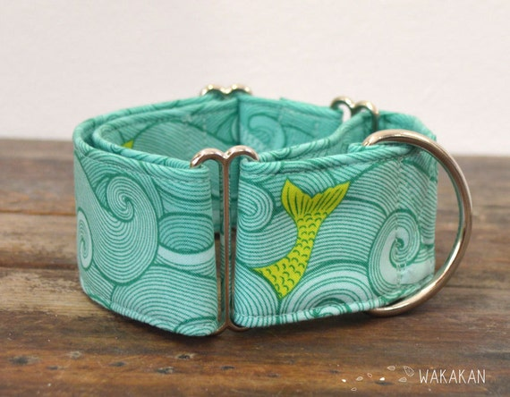Martingale dog collar model Fishing Dreams. Adjustable and handmade with 100% cotton fabric. Sea, ocean, fish, waves turquoise Wakakan