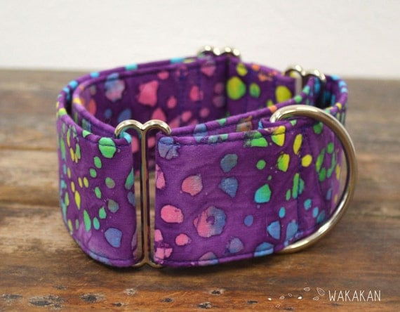 Martingale dog collar Psychedelic Leopard. Adjustable and handmade with 100% cotton fabric. colorful animal print pattern in purple Wakakan