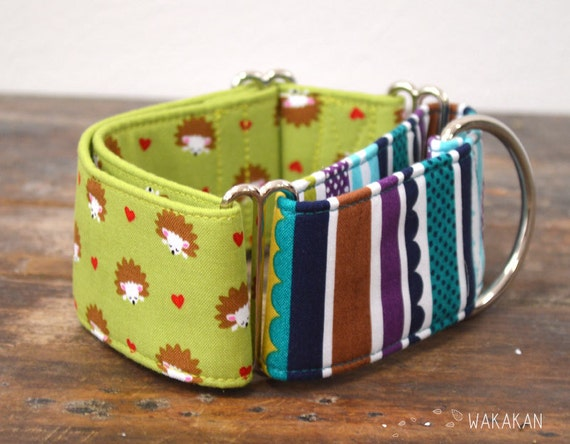 Martingale dog collar model Hedgehog Love.  Adjustable and handmade with 100% cotton fabric. Forest animals with hearts in green . Wakakan
