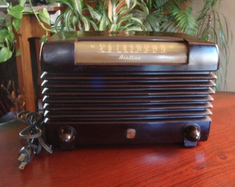 1940's Wards Airline 84BR-1503B Working Condition Tube AM Radio Bakelite Case Collectible L1270