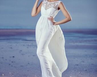 Wedding size empire and Halter dress