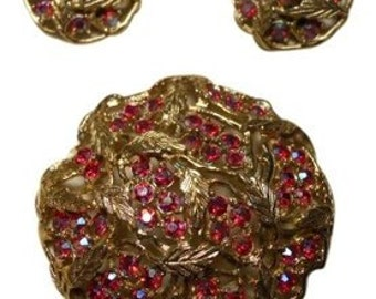 Vintage Sarah Coventry pin & clip earrings