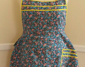 Wildflowers, Full Figure, Plus Size, Straight Neckline Apron *IMMEDIATE SHIPPING*