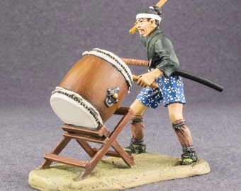 Ashigaru Drummer with Taiko Drum HandPainted Medieval 1/32 Japanese Tin Miniature Figurines 54mm figurines metal sculpture