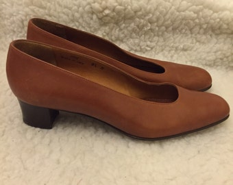 Vintage coach brown leather shoes size 8.5