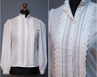 Vintage White Lace Trim Blouse / Cotton blouse / Size M-L