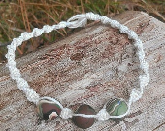 Thin Natural Colored Spiral Hemp Macrame 11 Inch Length Ankle Bracelet with Camo Color Handmade Polymer Clay Beads / hemp anklet / macrame
