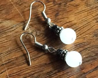 3945 - white Quartz, black glass Earrings
