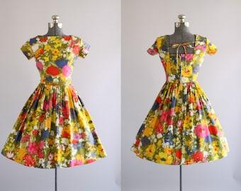 Vintage 1950s Dress / 50s Cotton Dress / Colorful Watercolor Floral Print Dress w/ Open Back S