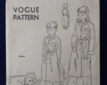 1940's Vogue Sewing Pattern for Child's Robe Age 8 - Vogue 2481