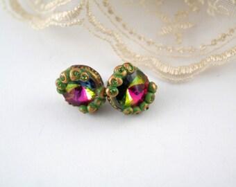 green stud earrings vintage style earrings green earrings handmade earrings bright earrings minimalist earrings gift for her green studs