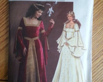 Renaissance wedding dress/ faire /queen / princess / Medieval costume 2050 sewing pattern, Bust 30 31 32 34, Size 6 8 10 12, Butterick 4571