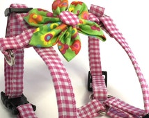 Pink gingham dog harness, gingham harness, detachable flower, adjustable harness, puppy harness, cat harness, fabric and nylon harness