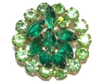 Emerald Green Brooch, Emerald & Peridot Rhinestones, Gold Tone, 1950s 1960s, Vintage Jewelry