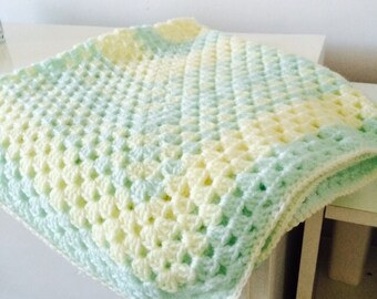 Soft lemon and mint baby blanket