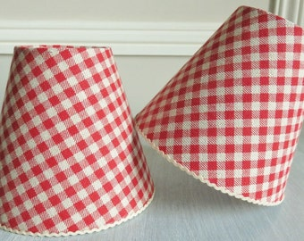 A Lovely Red Bistro Check Gingham Lampshade 11 X 13 Cm 43 51 Ins