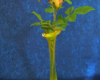 Vintage Art Glass Bud Vase - yellow stem with clear base with 4 rows of controlled teardrop shaped bubbles. Art Dec'o appeal!  Collectible!