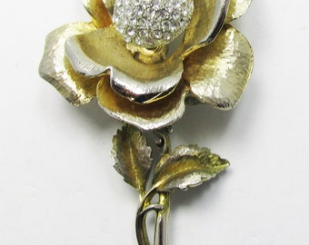 Vintage - Rhinestone Trembler Pin - Collectible - Rhinestones - Gold - Jewelry - Floral - Rose - Realistic -1950s