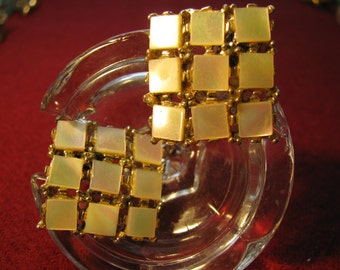 Mother of Pearl Square earrings