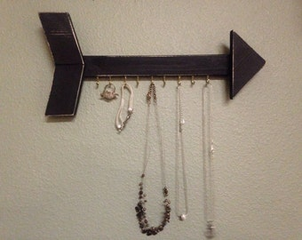 Black arrow necklace holder organizer