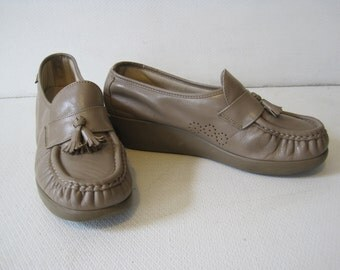 SAS Loafers Moccasins Shoes Size 8 W  Women's Ladies Moc Vintage