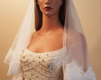 """Bridal 2 Tier French Alencon Lace Veil 33 """" in length White or Light Ivory"""