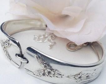 Spoon bracelet, Free Shipping,Silver Spoon Jewelry,Antique Spoon  Bracelet, Spoon Bracelet Jewelry, Vintage Silverware Jewelry