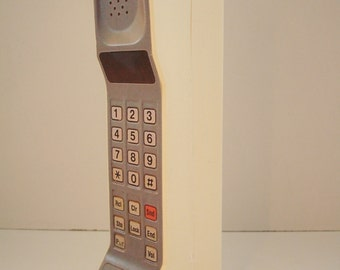 1980s/1990s Style Vintage Brick Toy Cell / Mobile Phone Toy / Prop - Motorola DynaTAC 8000s