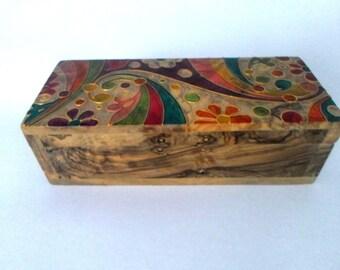 "Olive wood decorated jewelry box  - ""Damask"""