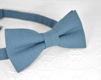 Blue bow tie, dusty blue bow tie, linen bow tie, wedding bow tie, mens bow tie, bow tie for men, grey blue bow tie, blue grey bow tie