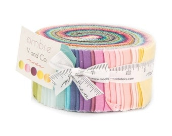 MODA JELLY ROLL | V& Co | Ombre | Solids Jelly Roll