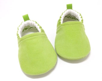 Green Baby Shoes, Corduroy Baby Shoes, Soft Sole Baby Shoes, Baby Booties, Green Toddler slippers, Cloth Baby Shoes, Baby Shower Gift