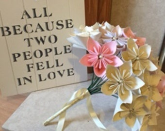 Medium paper bouquet  - ideal for weddings, gifts or to treat your home.