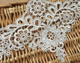 "Ivory Floral Lace Trim Retro Embroidery Wedding Lace Trim 4.72""  Wide 2 Yards S0213"