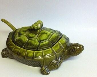 Turtle Vegetable Dish / Turtle Bowl / Ceramic Turtle / Vegetable Bowl / Unique Dish / Green Turtle / Vintage Turtle Dish / Turtle