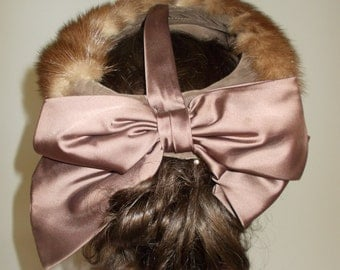 Vintage Hat 50s Brown Fur pill box Hat facinator with satin bow