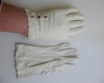 Vintage - old, fine, soft leather gloves