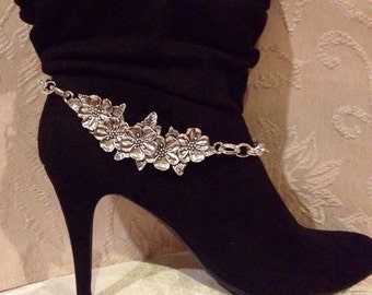 Silver toned Boot Chain Bracelet, Boot Chain Bracelet, back by popular demand! Vintage boot bracelet, 10% Off! plus Free US shipping