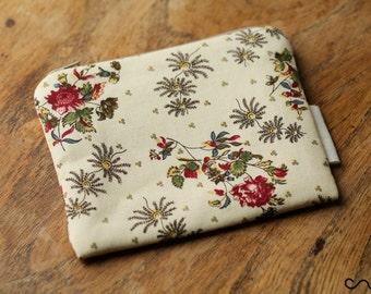 12cm Handmade Make up / Coin Purse / Change purse /Zipprt Pouch Card Wallet Gift Vintage Floral Pattern Fabric