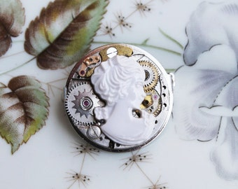 Steampunk brooch  with old gears e cameo, vintage style, unique piece