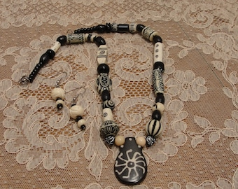 Black and Ivory Necklace Set