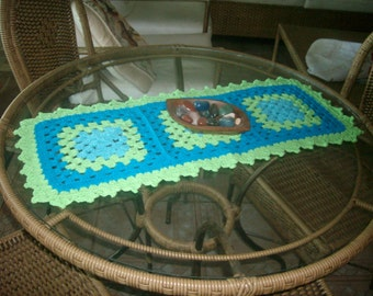 Table coaster in bright colors